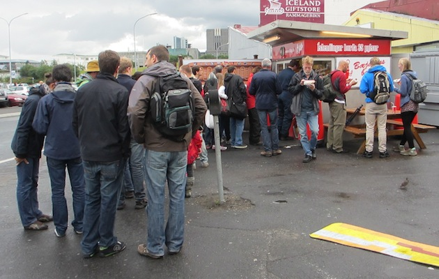 Lining up for a famous pylsur (hot dog)